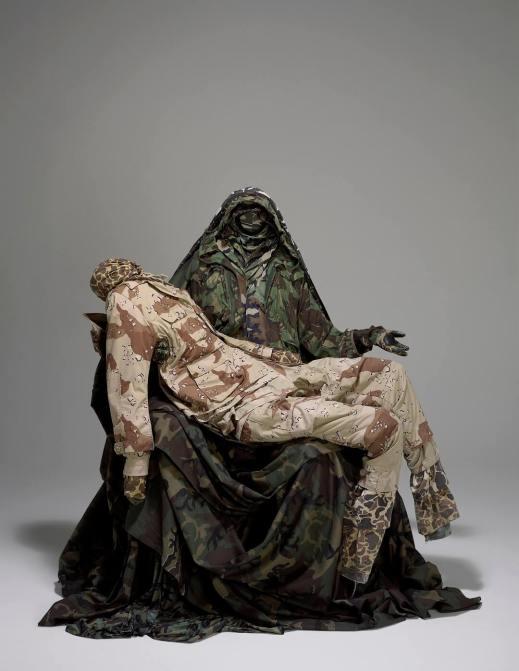 GUERRA DE LA PAZ (Alain Guerra & Neraldo de la Paz), Pieta, 2006 Dzięki uprzejmości artystów / Courtesy of the artists