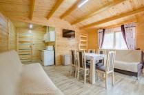 domki drewniane - salon z aneksem (Kopiowanie)
