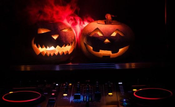 oktoberdots Halloween muziek