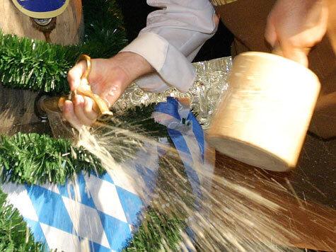 Rito di inaugurazione dell'Oktoberfest: O'ZAPFT IS!