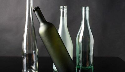 Come dipingere bottiglie di vetro