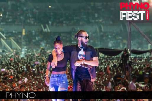 Phyno and a fan at the 3rd edition of Phynofest.