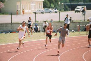 a4 2 300x201 - Atletler Niçin Saat Yönünün Aksine Koşuyor?