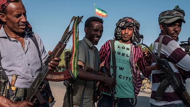 Etiyopya'da hükümet güçleri maket bıçaklarıyla sivilleri öldürdü, okugit