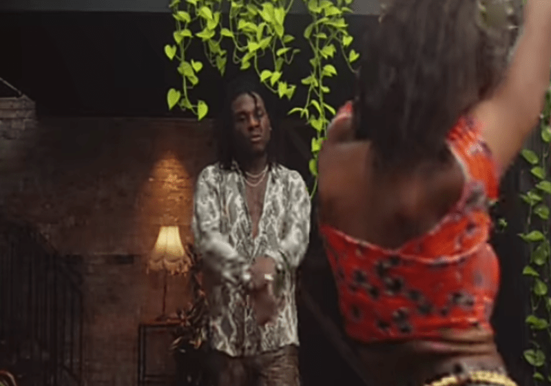 """""""Congrats But Remove Organic There"""" – Reactions as Burna Boy's """"On The Low"""" Video Hits 200 Million Views on YouTube"""
