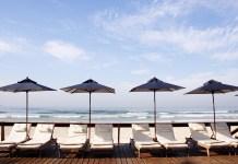 Deck beira-mar do Casa Grande Hotel Guarujá. Foto: divulgação