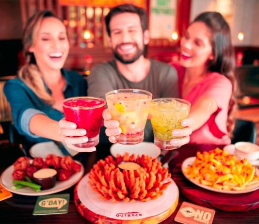 Outback do Iguatemi Esplanada celebra Dia do Amigo com bebidas pela metade do preço