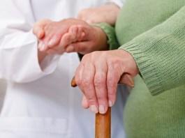 Coronavírus: Defensoria determina restabelecimento de energia elétrica em casa de idoso com doenças