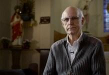 """Padre Júlio Lancellotti é indicado como """"Influencer do ano"""" em premiação da comunidade gay"""