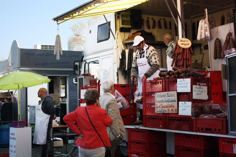 Dimanche printanier à Düsseldorf -Marché Fishmarkt - Olamelama