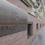 Bankų kirtis Lietuvos senjorams – 8 litai už grynųjų pinigų operaciją