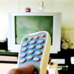 Lietuviai pirmenybę teikia televizijai, internetu naudojasi daugiau kaip 50 proc.