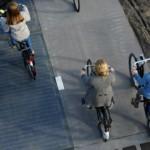 Pirmasis pasaulyje dviračių takas Nyderlanduose iš saulės elementų maloniai nustebino jo inžinierius