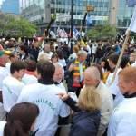 Protestuojantys lietuviai Briuselyje prašo pinigų