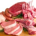 Prekybos centrai vis dažniau reklamuoja pigią mėsą