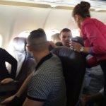 Chaosas Olandijoje: lietuvis bandė išdaužti lėktuvo langą