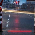 """Nyderlanduose įrengė """"šviesoforą"""" išmaniųjų telefonų mylėtojams"""
