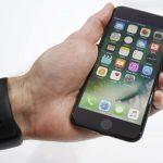 """Nyderlanduose areštuoti penki vagys, pagrobę išmaniųjų """"iPhone"""" už pusę milijono eurų"""