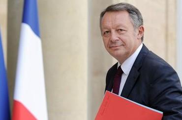 le-ministre-des-sports-thierry-braillard-a-son-arrivee-au-palais-de-l-elysee-pour-la-preparation-de-l-euro-2016-le-11-septembre-2014-a-paris_5122600-e1427903253424-370x245.jpg