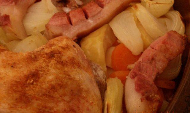 Krumplis húsos zöldséges egytál