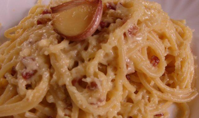 eredeti tökéletes Carbonara spagetti