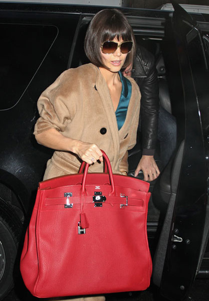 OMG the GIANT BIRKIN! Save us!