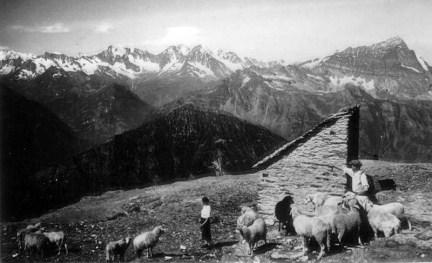 Capanna Giovanni Leoni al Monte Cistella (2803 m)