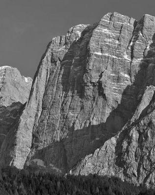 Piccolo Mangart di Coritenza versante Nord, diedro Cozzolino
