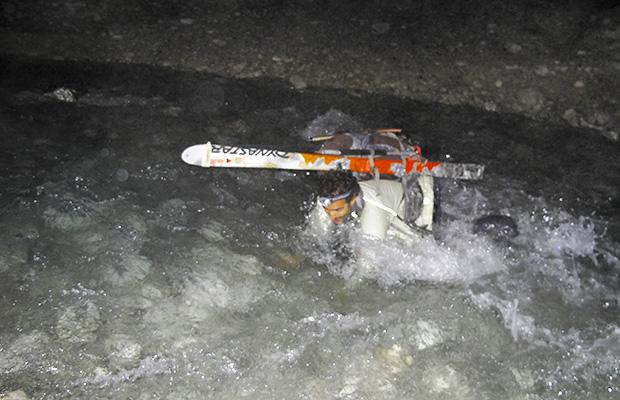 Nelle gelide acque del Torrente Cimoliana. La prima #micoravventura di Loris De Barba (ph. L. de Barba)