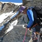 La ga Andrea Enzio in ascensione sulla cresta ovest del Vincent