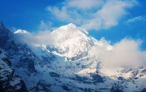 2. Pandim, montagna sacra al primo mattino (ph E. Ferri – K2014.it)