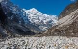 21. In partenza sul Talung Glacier verso il Goecha-La e il tempio-eremo di Guru Rimpoche. A dominare ancora il Pandim