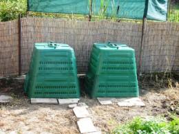 2 komposteri pre 2 rodiny