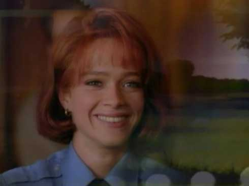 Lauren Holly in Picket Fences