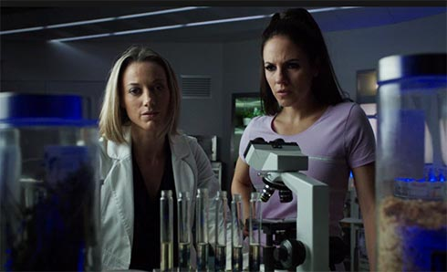 Lauren and Bo in the lab.