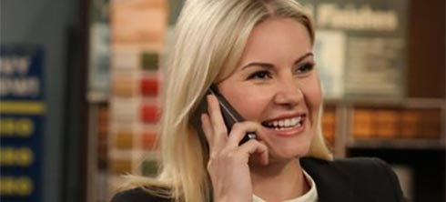 Elisha Cuthbert in the pilot of One Big Happy
