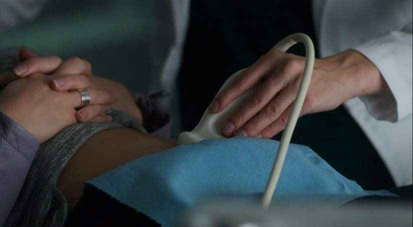 Lauren does a sonogram on Tamsin