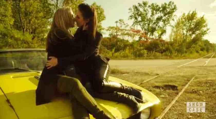 Lauren and Bo kiss