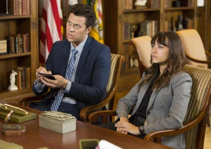Still of Rashida Jones and Hayes MacArthur in Angie Tribeca