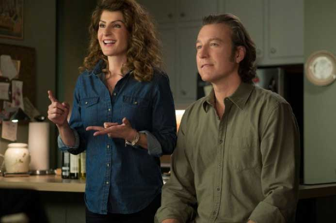 Still of John Corbett and Nia Vardalos in My Big Fat Greek Wedding 2