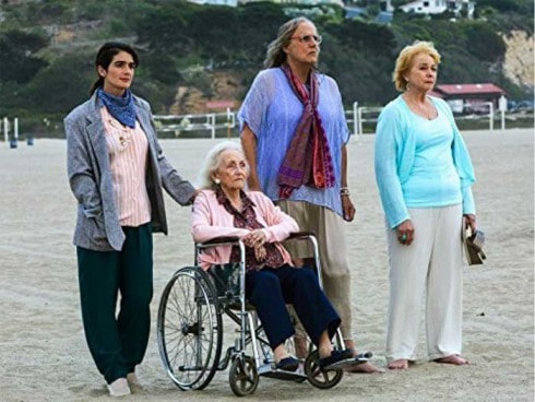 Gaby Hoffmann, Jeffrey Tambor, Jenny O'Hara and Shannon Welles in Transparent
