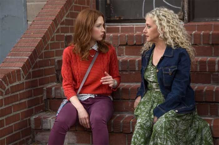 Ellie Kemper and Carol Kane in Unbreakable Kimmy Schmidt season 2
