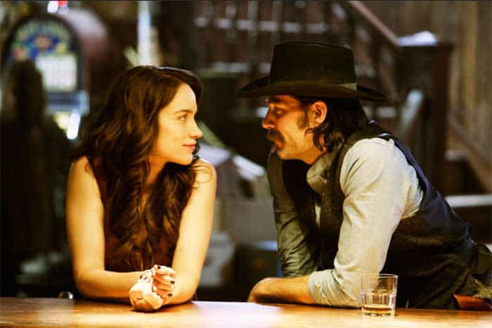 Melanie Scrofano and Tim Rozon in Wynonna Earp