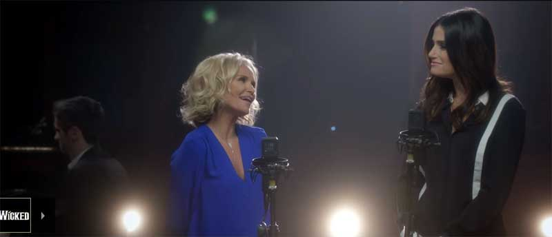 "Kristin Chenoweth and Idina Menzel singing ""For Good"""