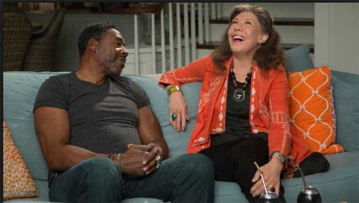Ernie Hudson and Lily Tomlin in Grace and Frankie