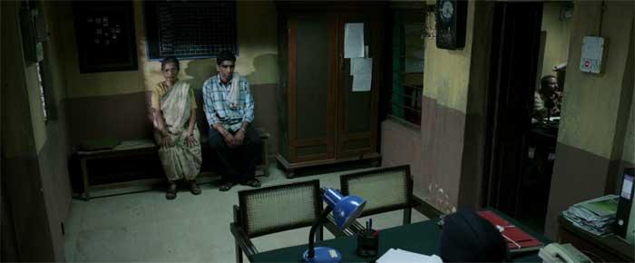 Usha Naik and Sandeep Pathak in 1000 Rupee Note