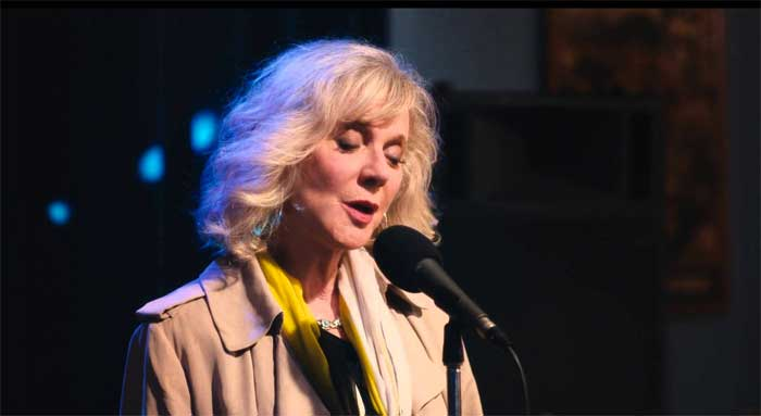 Blythe Danner in I'll See You in My Dreams