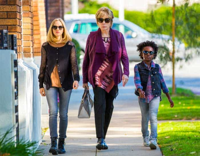 Amanda Seyfried, Shirley MacLaine and AnnJewel Lee Dixon in The Last Word