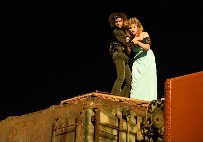 Ashleigh Murray and Rachel Crow in Deidra & Laney Rob a Train