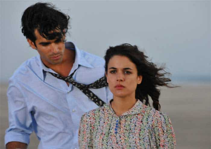 Rubén Cortada and Adriana Ugarte in The Time in Between